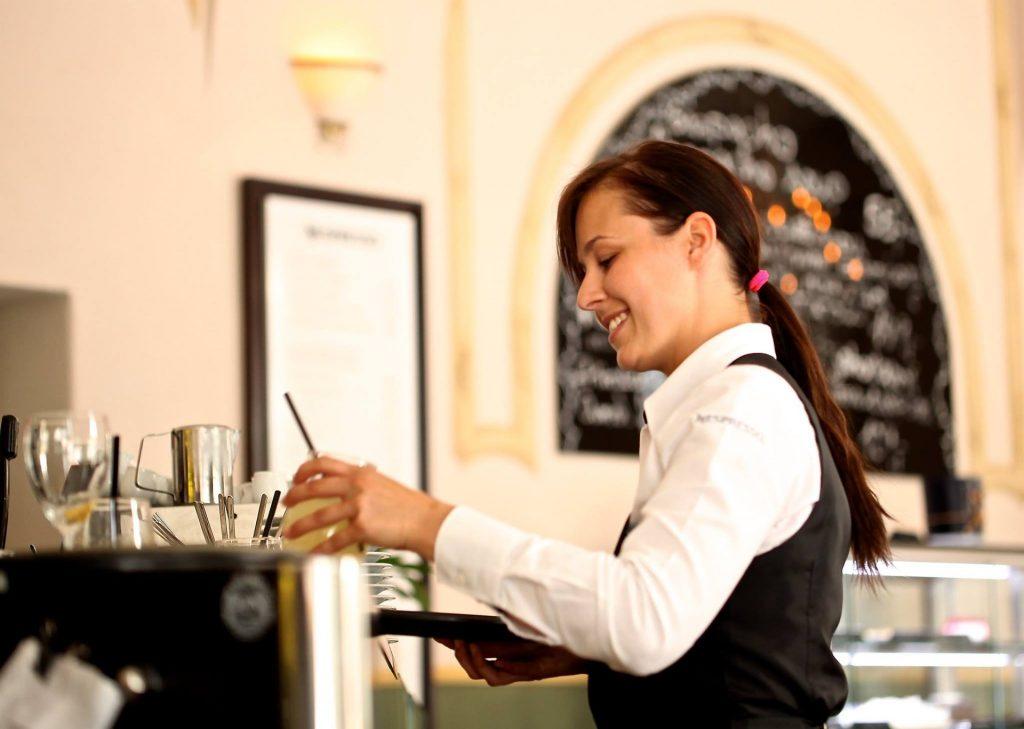 servitør, kassaapparat, kassaapparat for restaurant, illustrasjonsbilde, restaurant, restaurantbransjen